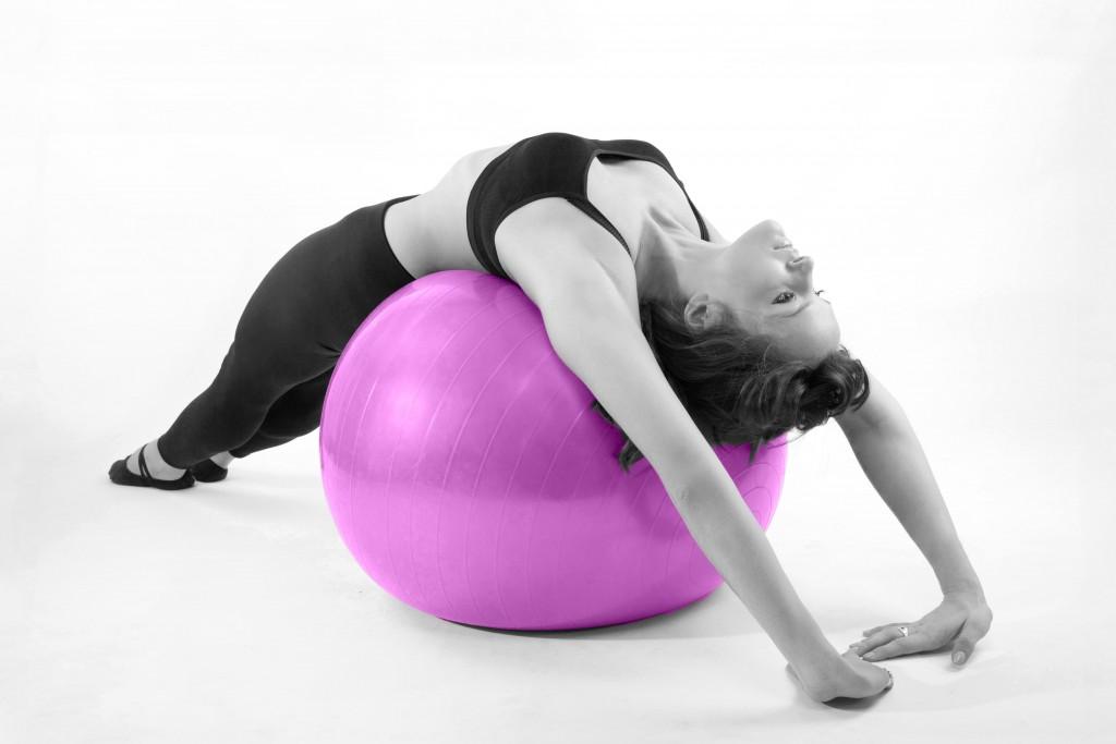 Pilates con pelota.